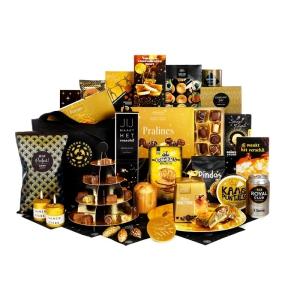 Een goud goedgevuld personeelsgeschenk voor werknemers die houden van lekker eten